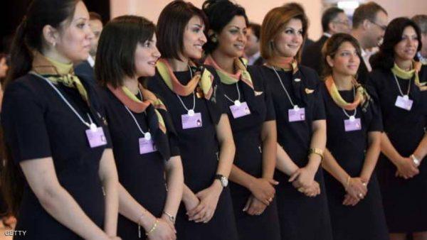 مظهر مضيفات مصر للطيران يفجر أزمة بين برلمانية والنقابة