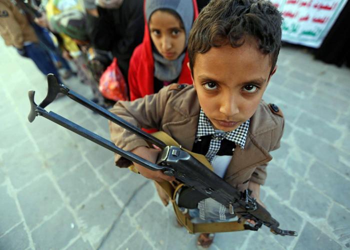 الحوثيون يلجؤون للتجنيد الإجباري لكي يواروا خسائرهم
