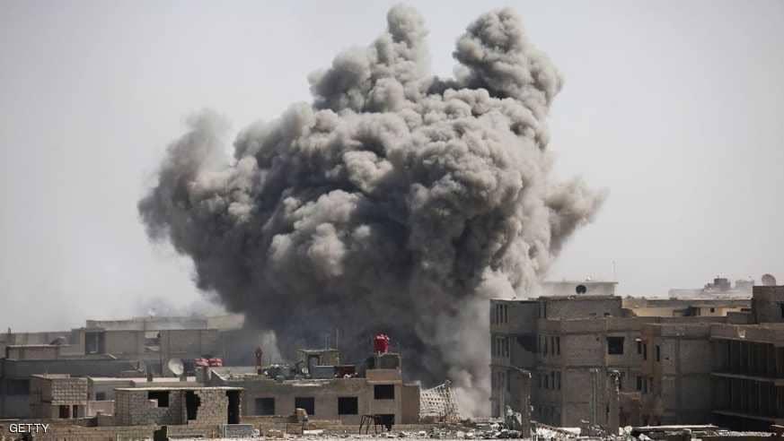 غارات مكثفة على غوطة دمشق ومزيد من القتلى