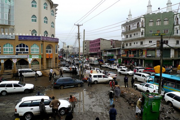 رويترز: انفجار ضخم داخل أحد الفنادق في العاصمة الصومالية مقديشو